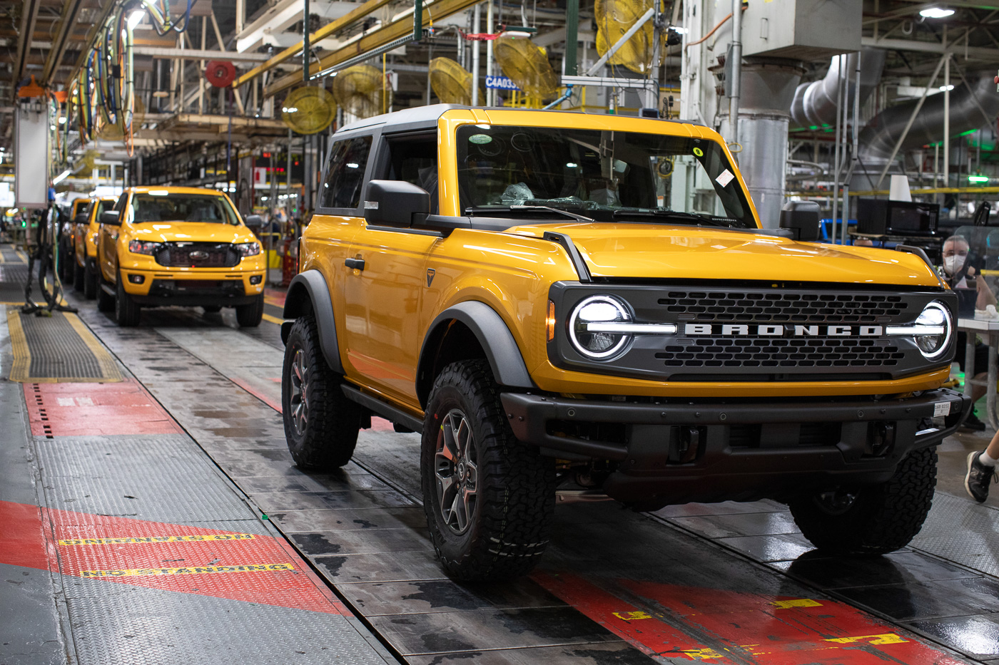 2021-bronco-production-michigan-assembly-plant-17.jpg