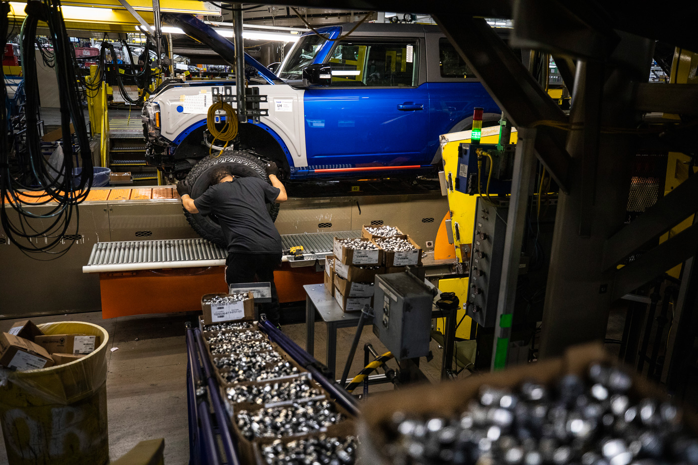 2021-bronco-production-michigan-assembly-plant-8.jpg