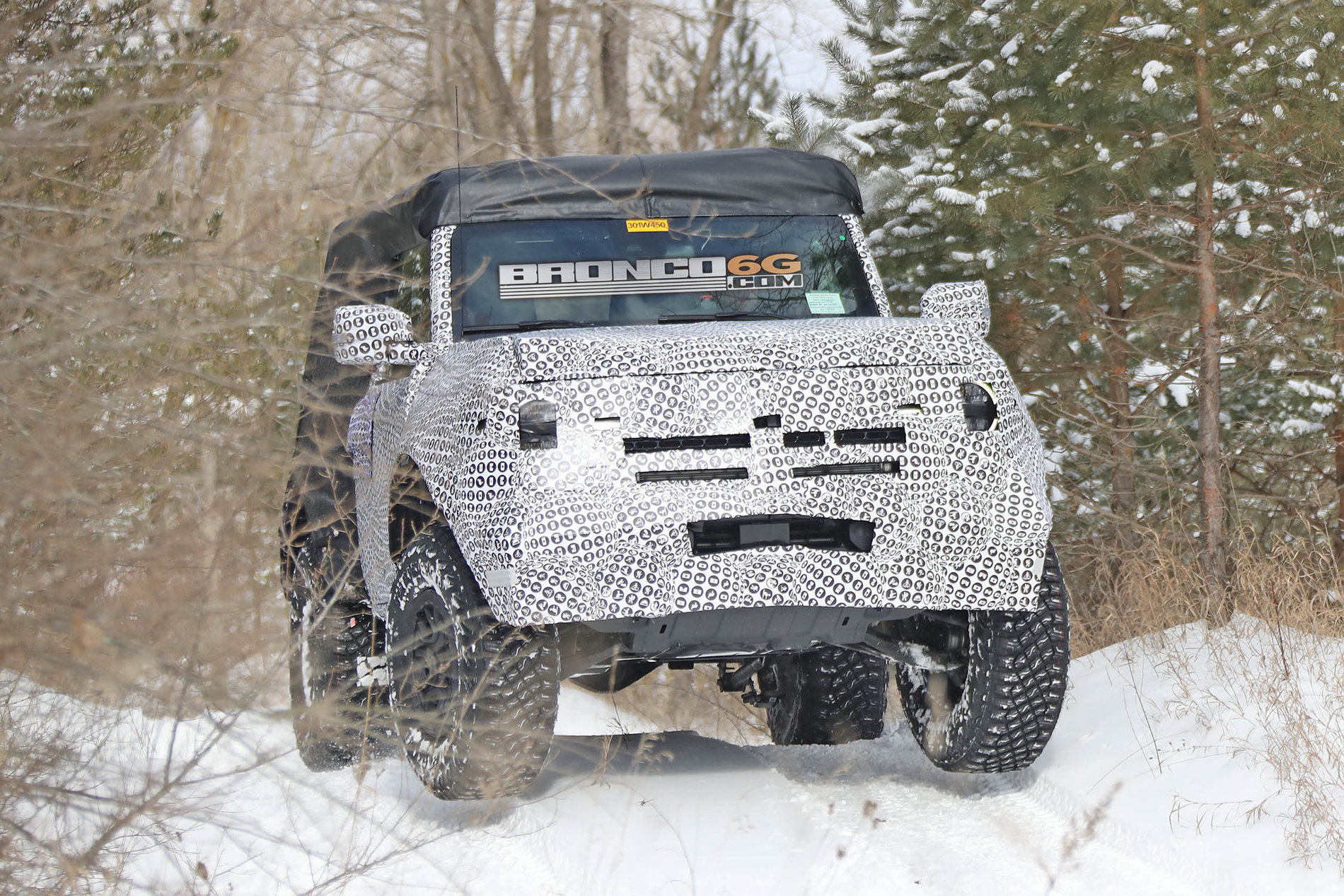 2021-Bronco_2door_OffRoad_003.jpg