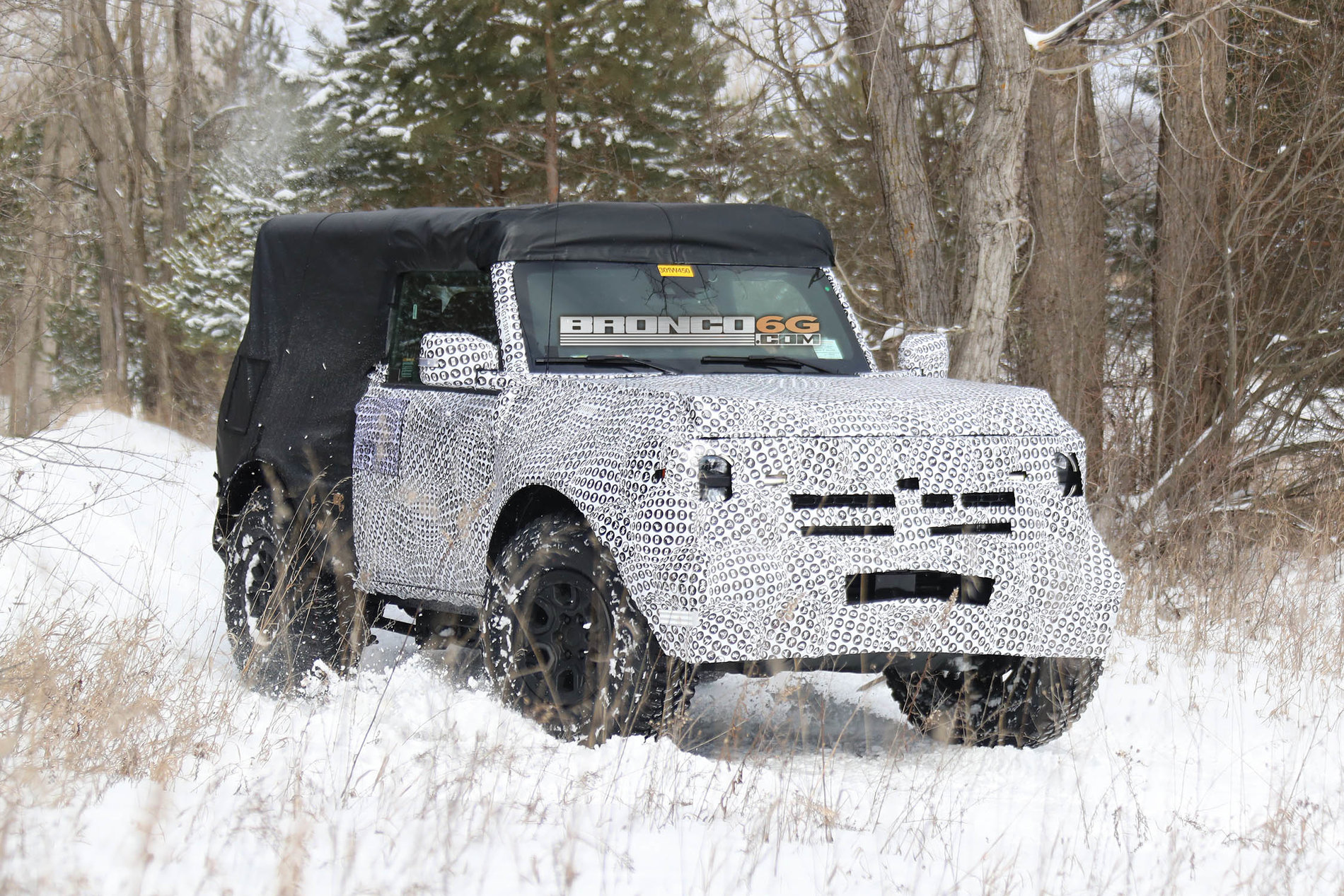 2021-Bronco_2door_OffRoad_008.jpg