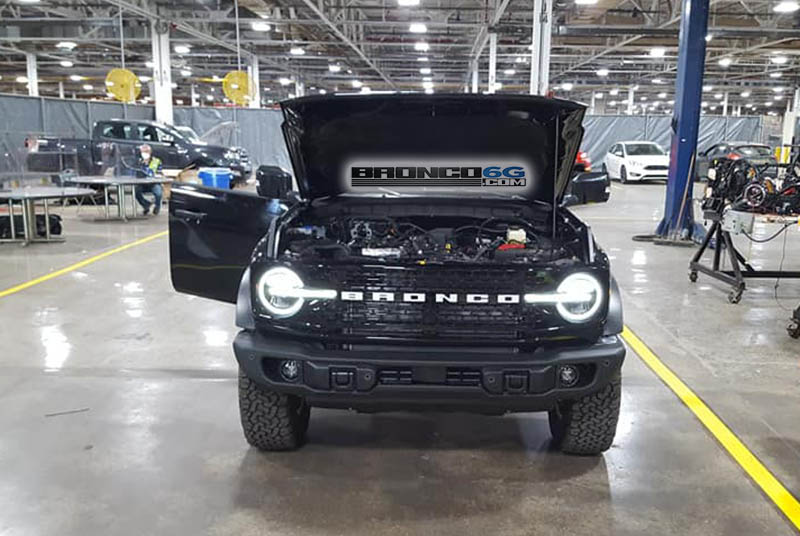 2021 Ford Bronco Badlands Sasquatch 2 Door.jpg