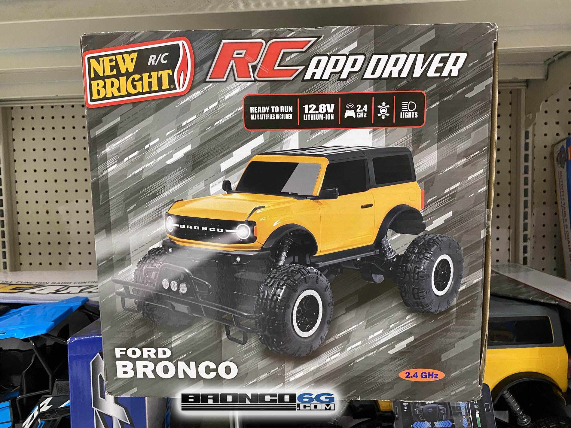 2021 Ford Bronco RC remote control car 5.jpg