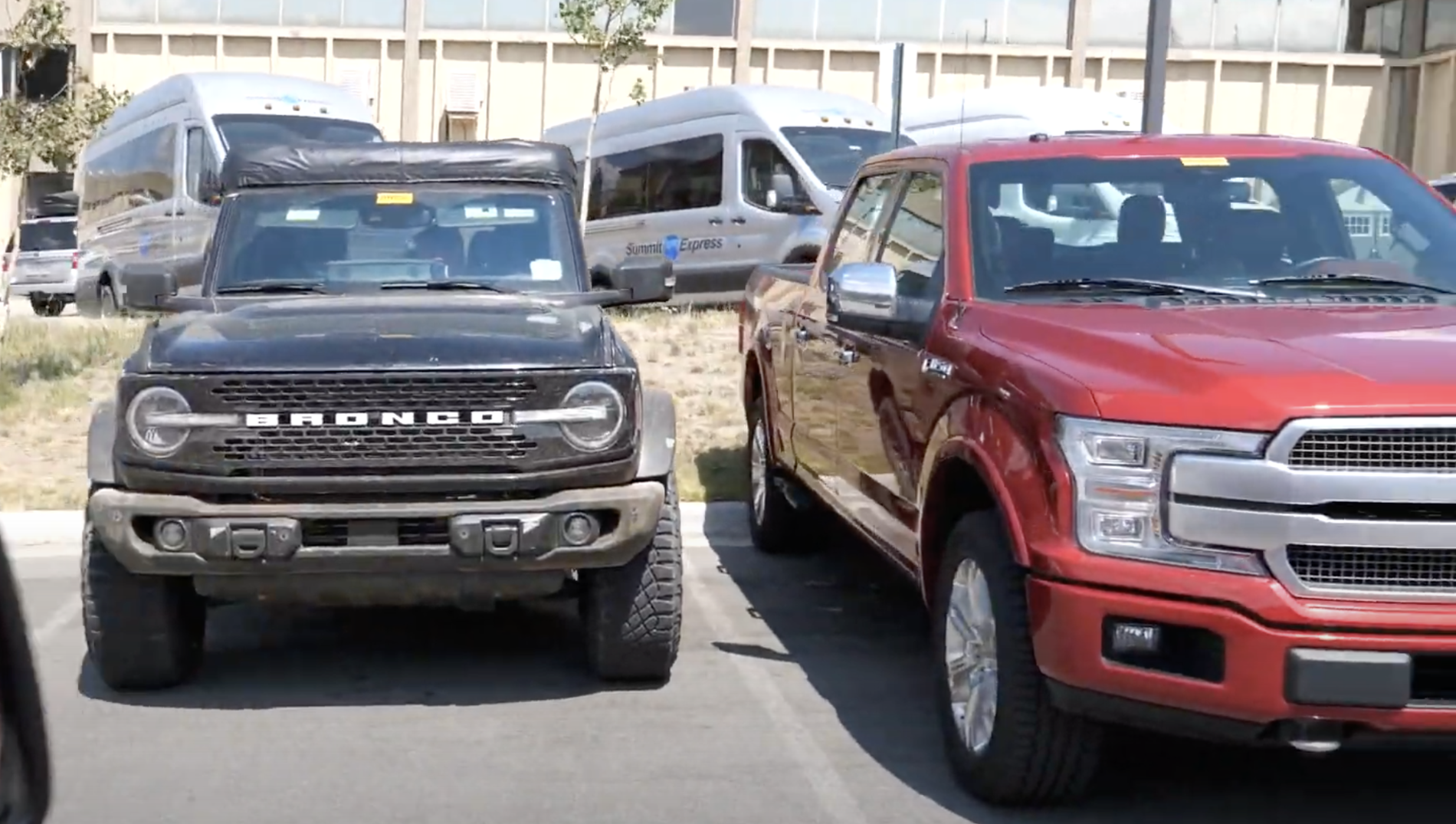 2021 Ford Bronco Sasquatch Size vs F-150 Comparison2.png