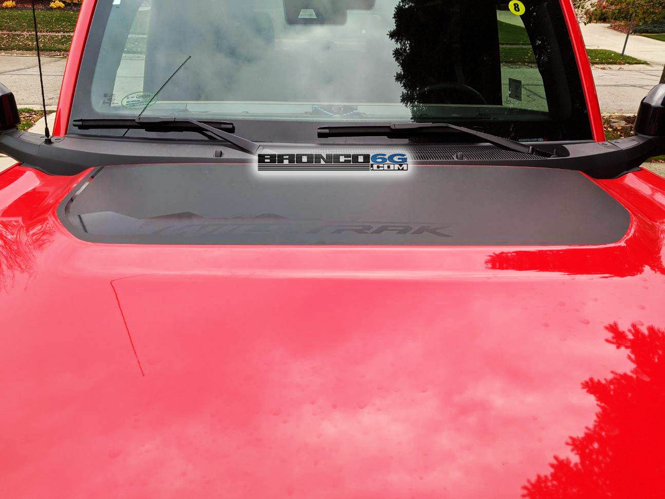 Bronco Wildtrak Hood Decal.jpg