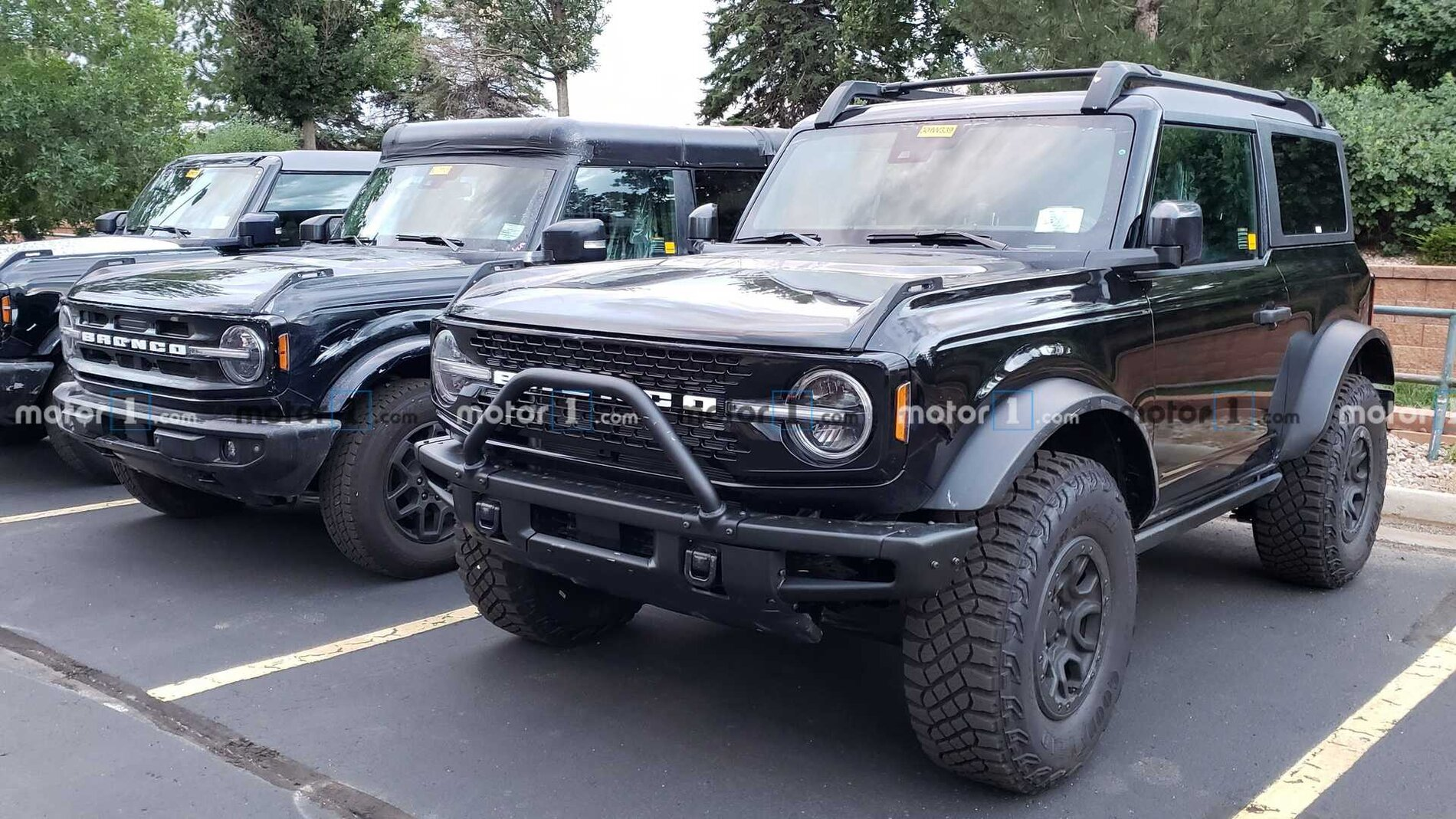 ford-bronco-sasquatch-comparison-3-jpg.jpg