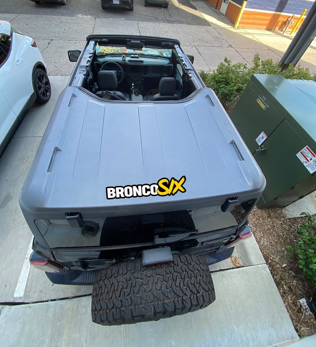 Gray Hardtop ROof 4 Door Bronco Sasquatch Roof Off Removed 2 .jpg