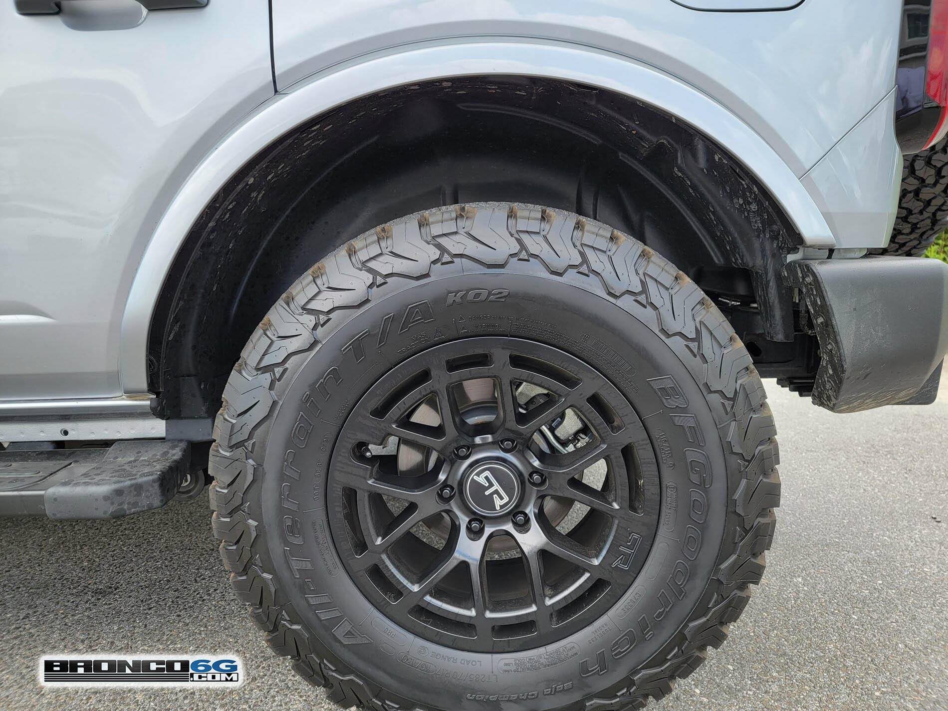 Zone Offroad 1%22 inch front leveling kit 2021 Bronco Outer Banks 2.jpg